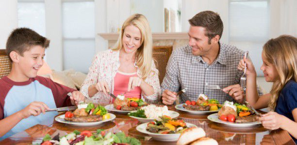 Family dinners nourish mental health in adolescents